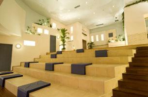 7F階段広場グランスカーラ多目的休憩スペース.jpg